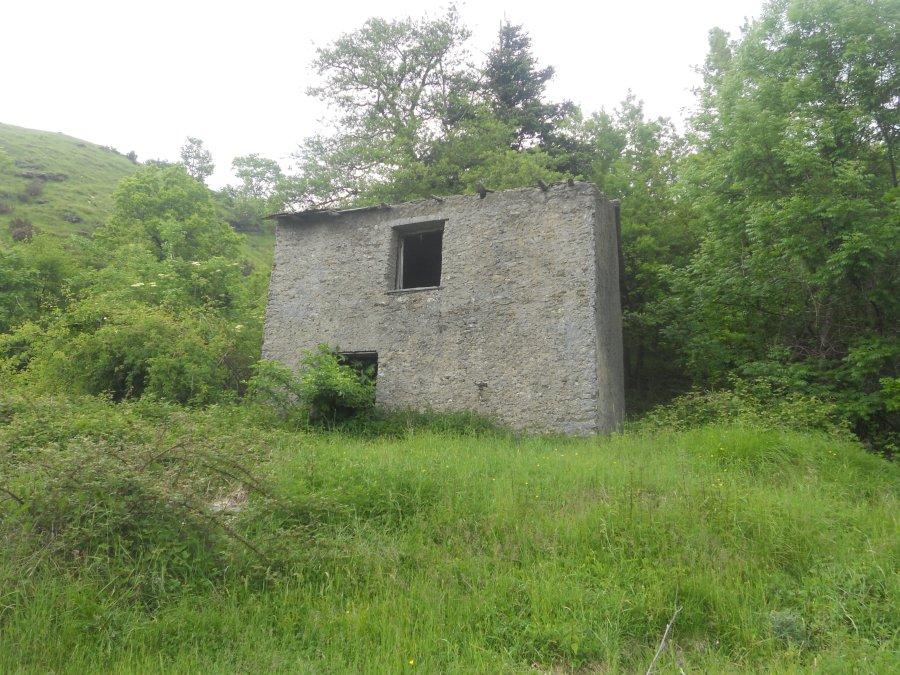 Casa isolata sulle alture di Rossi