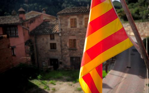 La bandiera della Catalogna sventola sul Municipio di Gallifa