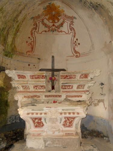 Altare della chiesetta di Reneuzzi