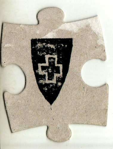 Crossed Shield on a Puzzle Piece di Lubomis Tymkiv