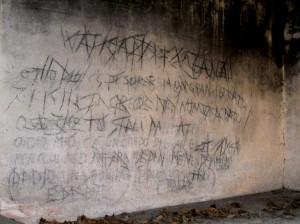 Scritte sataniche ad Assereto