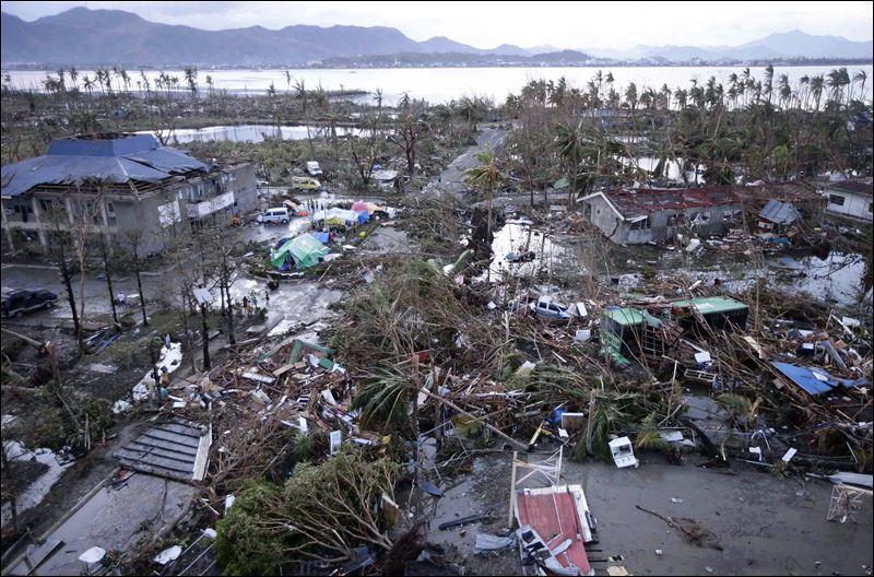 Tacloban dopo il tifone Yolanda/Haiyuan
