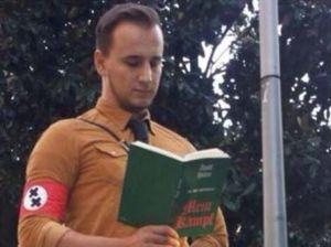 Il ragazzo vestito da Nazista dell'Illinois