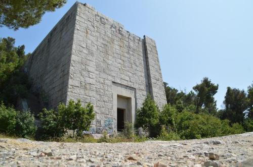 Mausoleo di Costanzo Ciano (ruderi)
